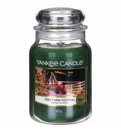 Mirisna sveća u tegli L - Tree Farm Festival (borove iglice, kedar, vetiver, sandalovina,..)